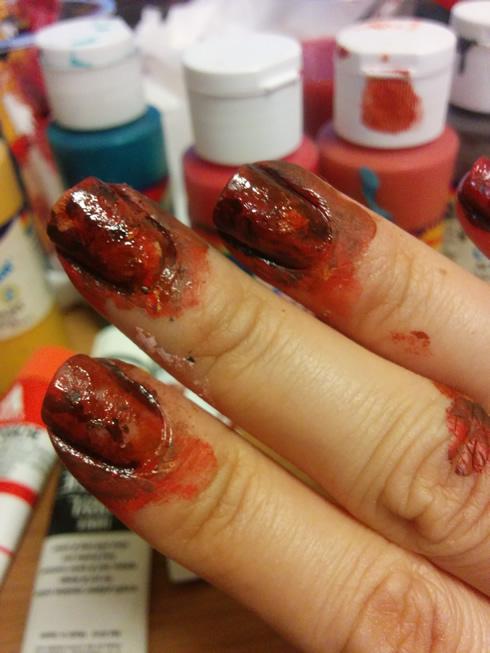 血みどろネイル塗り方