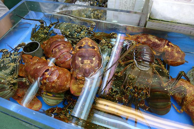 牧志公設市場(マキシ市場)1階海鮮物売り場